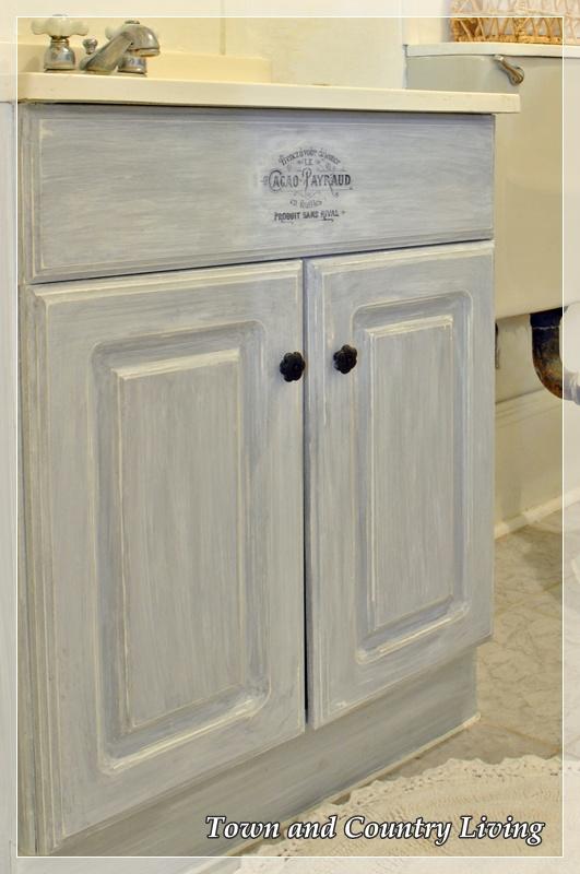 annie sloan chalk paint bathroom cabinets annie sloan chalk paint in