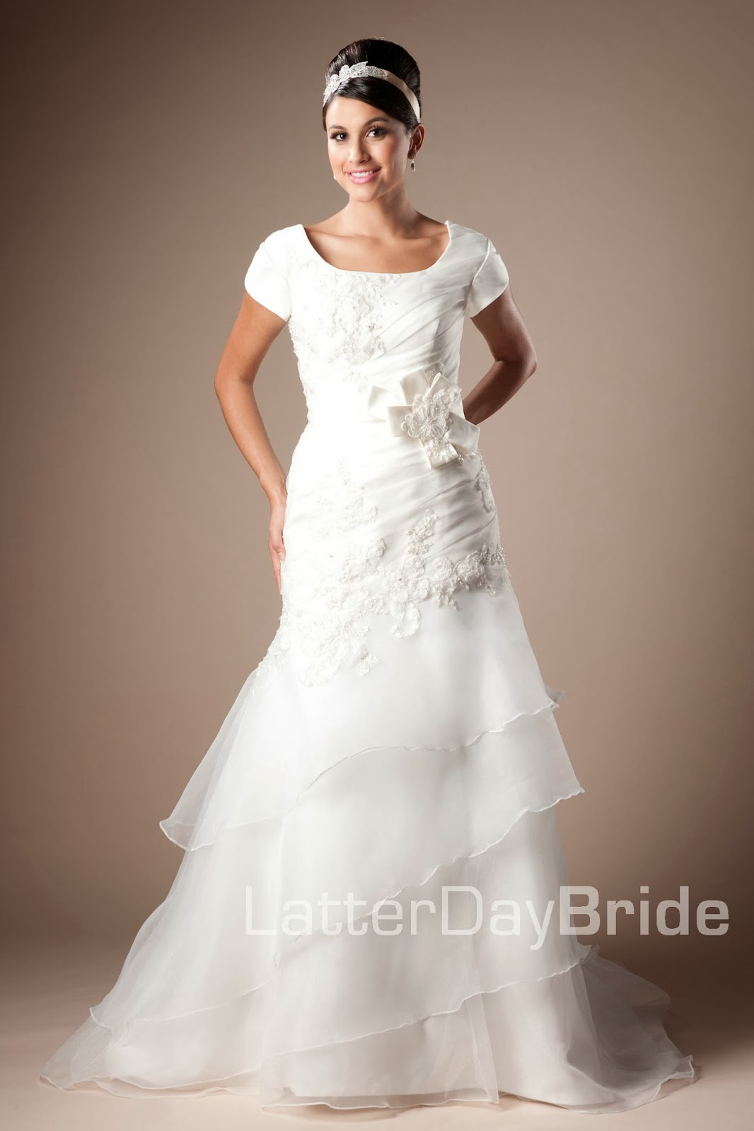 Modest wedding dresses for Modest a line wedding dresses