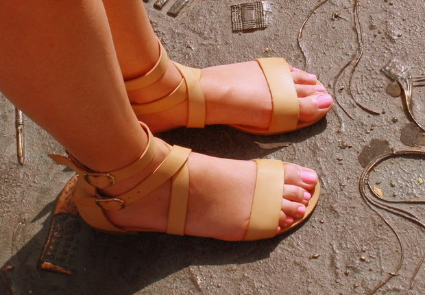 sandalias planas nude