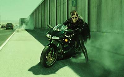 'Matrix Reloaded' (2003) Moto: Ducati 998 Atriz : Carrie-Anne Moss