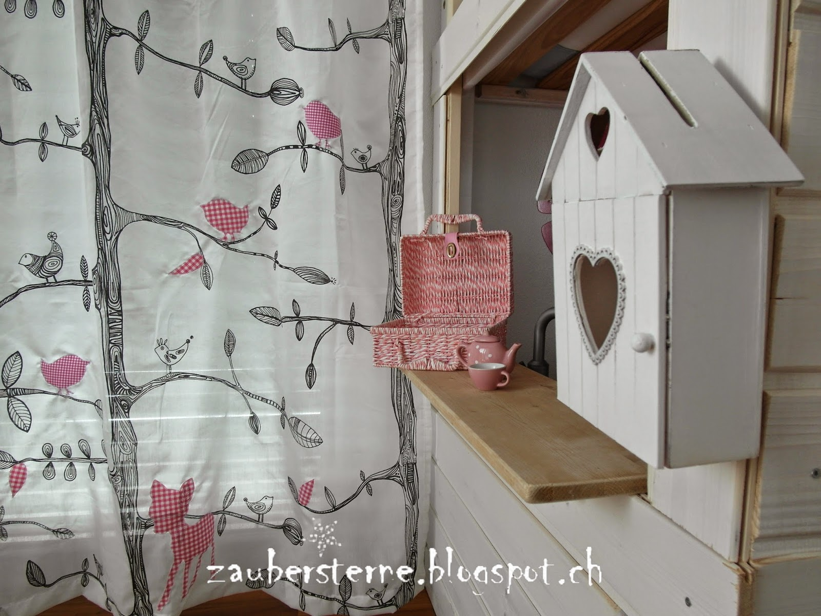 blog schweiz diy schranktatto kinderzimmer vorh nge. Black Bedroom Furniture Sets. Home Design Ideas