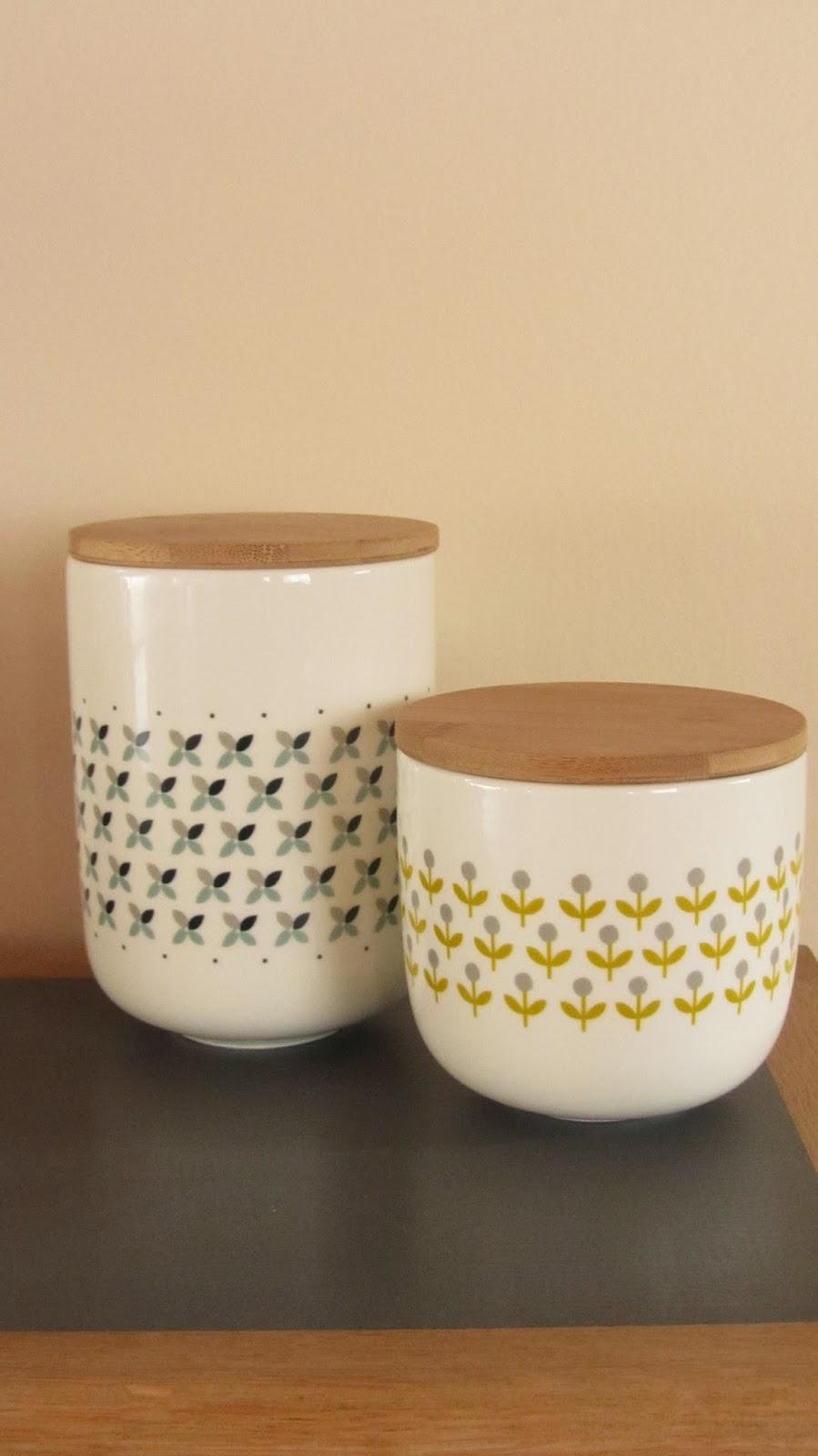 pot maison du monde sucrier et pot lait maisons du monde. Black Bedroom Furniture Sets. Home Design Ideas