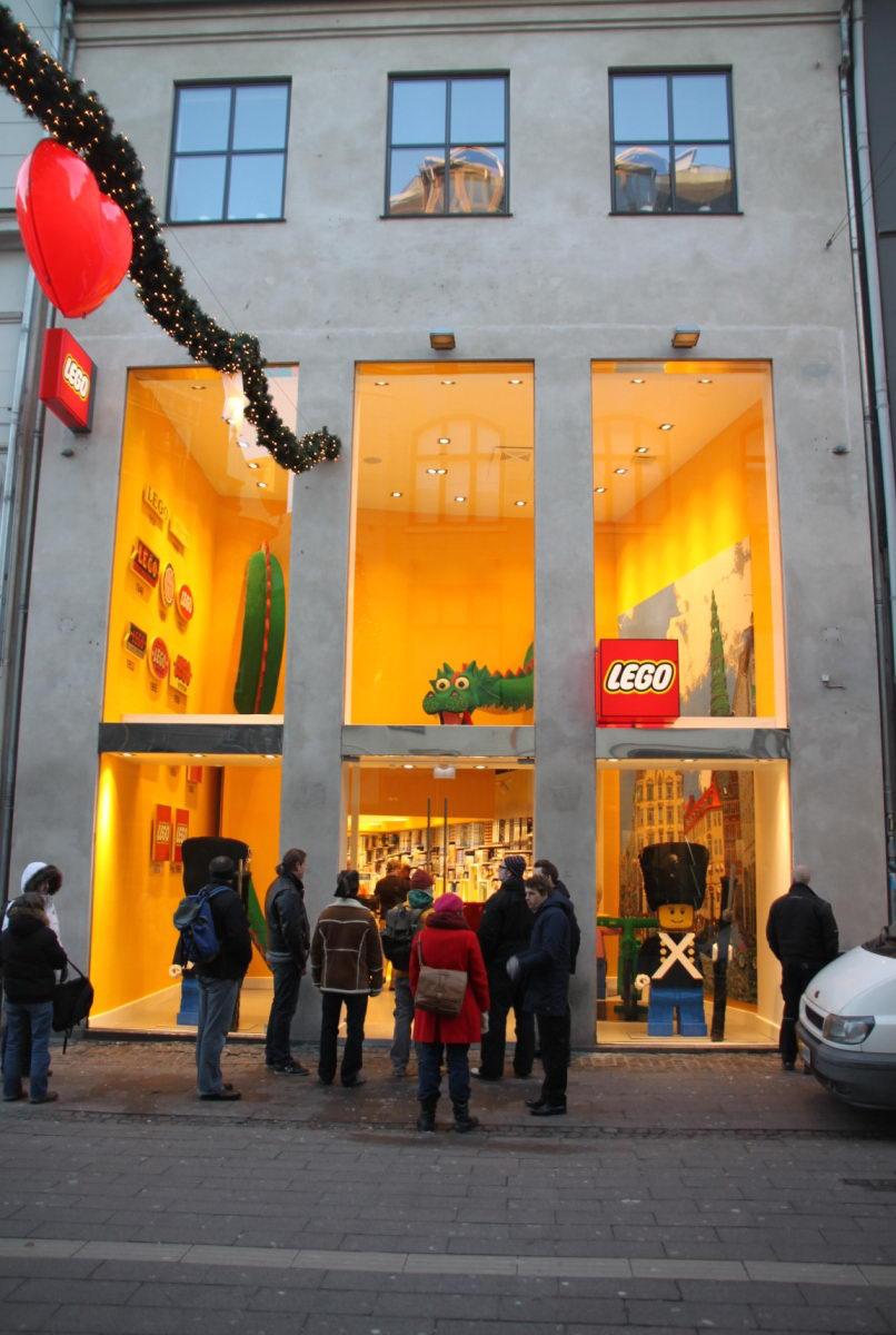 Lego lego store at k benhavn danmark for Lago store outlet