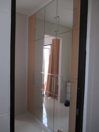 Lemari full Plafon pintu kaca swing ( mas Toto at Lanata 2 Residence )