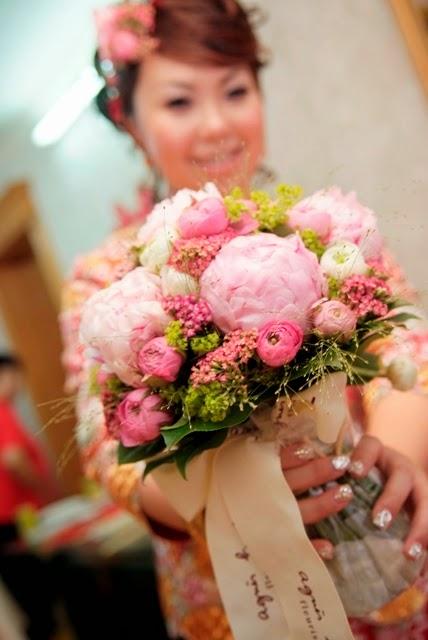 agnes b粉紅色牡丹花球新娘子結婚時會用