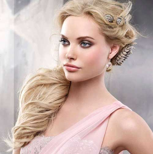 common and very popular to be worn at prom night among prom hairstyles ...
