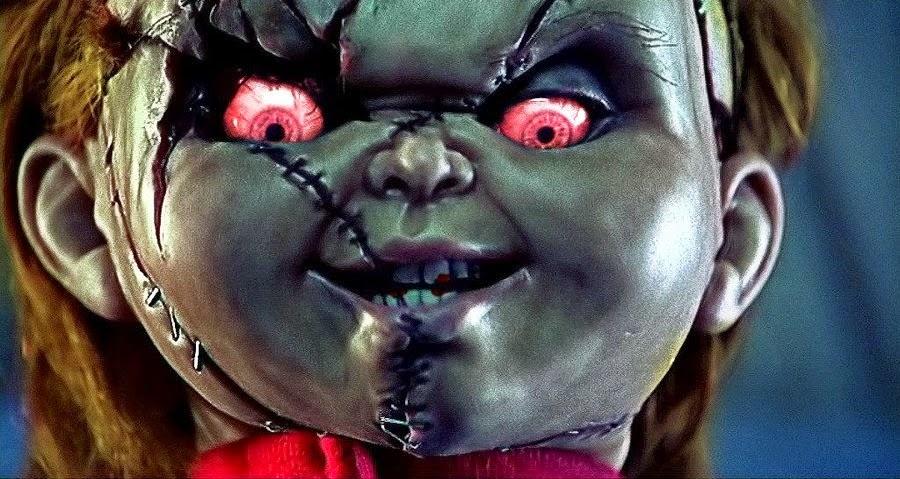 El espejo g tico 10 mejores relatos de terror seg n chucky for Las mejores mascaras de terror del mundo