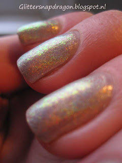 Color Club Cherubic and Essie Luxeffects Shine of times