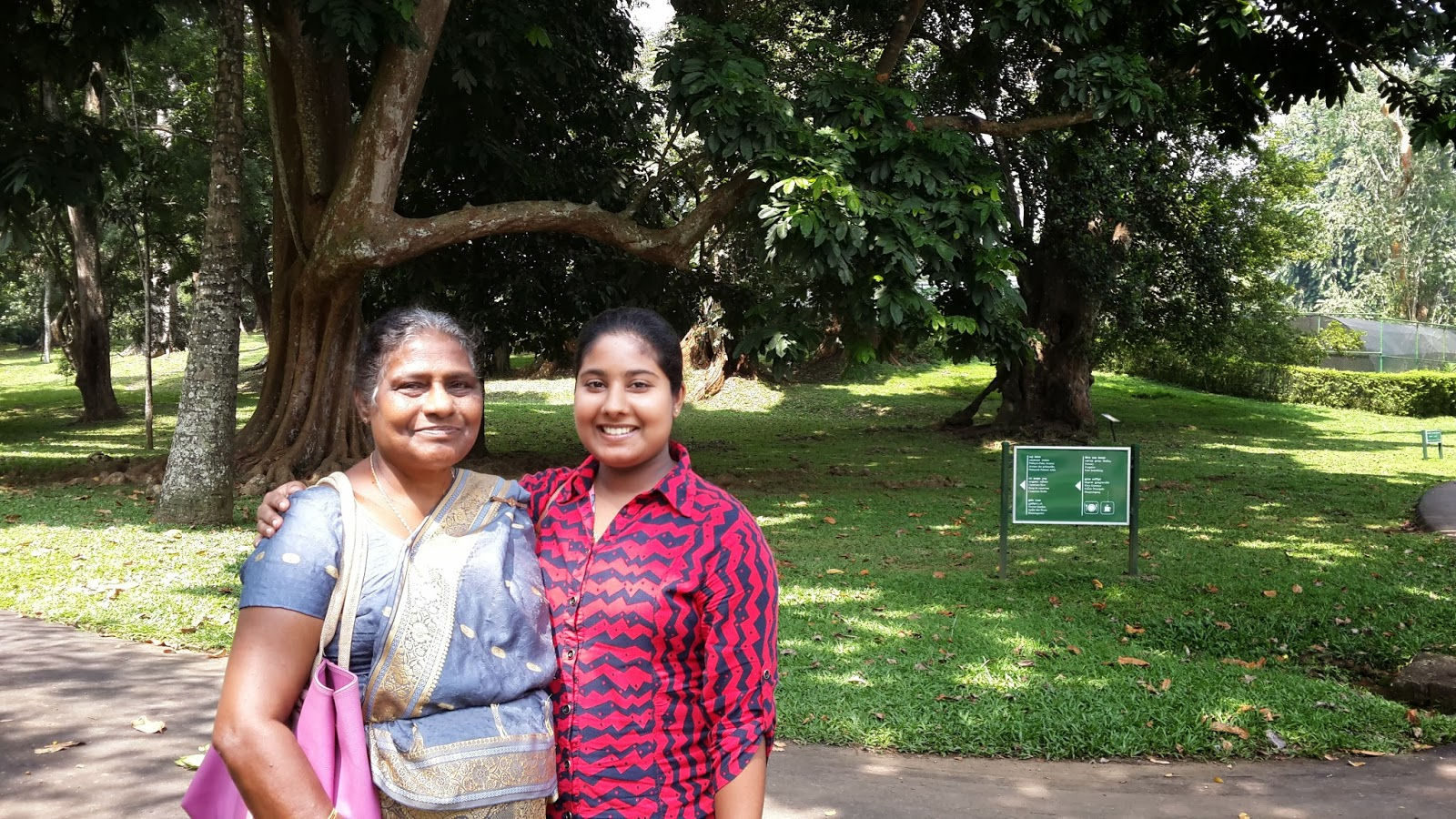 Sri friends in lanka pen female Maha Nuwara