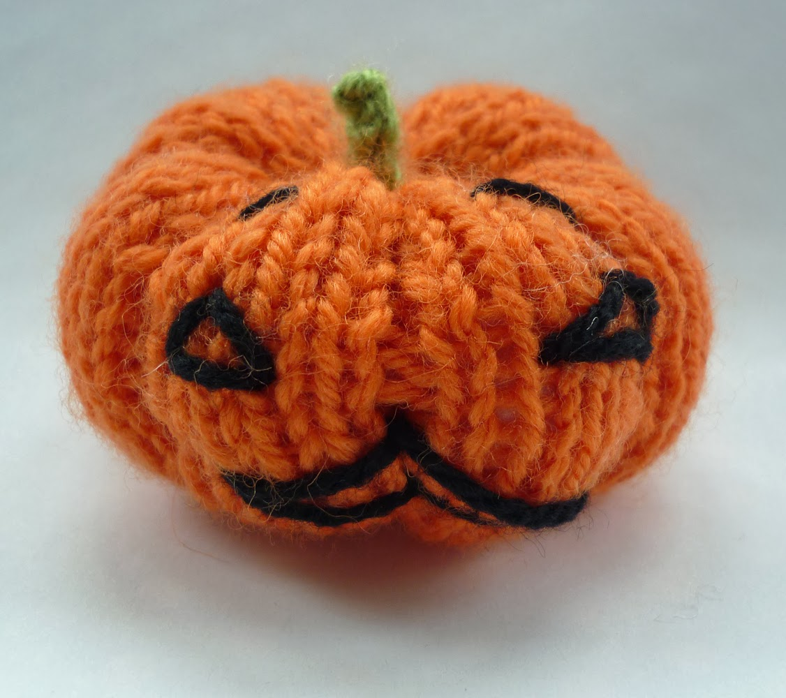 Free Halloween Knitting Patterns : Mack and Mabel: Halloween Pumpkin Ornament (free) Knitting Pattern