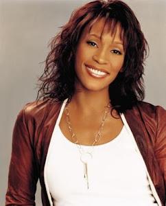 Whitney Elizabeth Houston Muere a los 48 años consumida por las drogas.