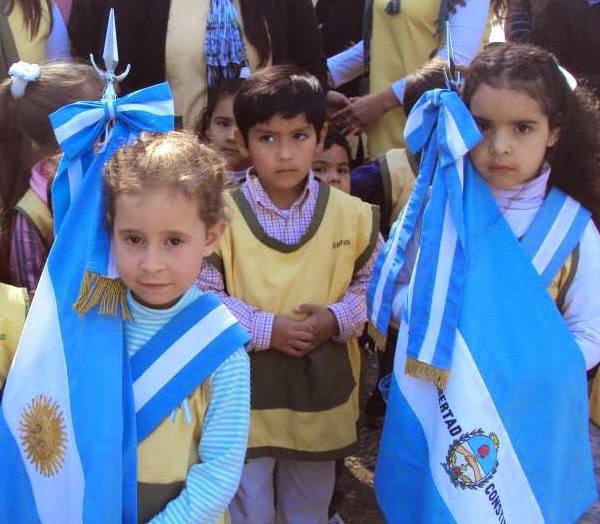 Bandera Argentina y Bandera de la Pcia. de Corrientes