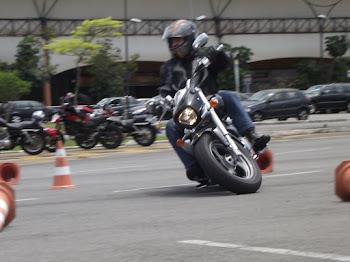 Maurício, com sua Boulevard 800