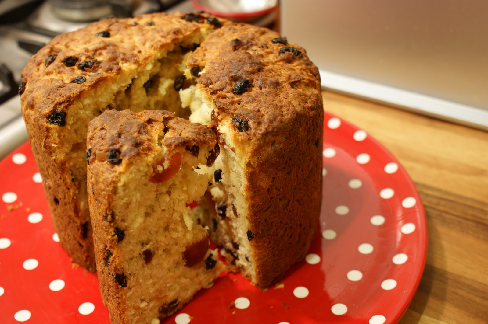 ellen's 52: Number 41: Fresh from the Oven does Panettone