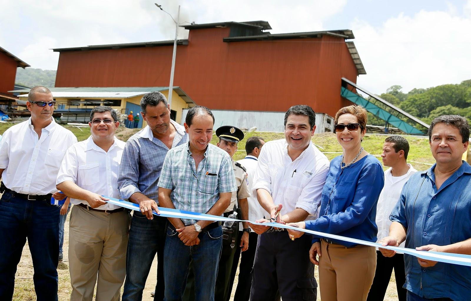 JOH inauguró en Choloma planta que generará mil 800 kilowatts de energía limpia