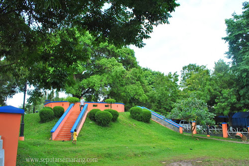 Rindang dan hijau taman gajah Mungkur Semarang