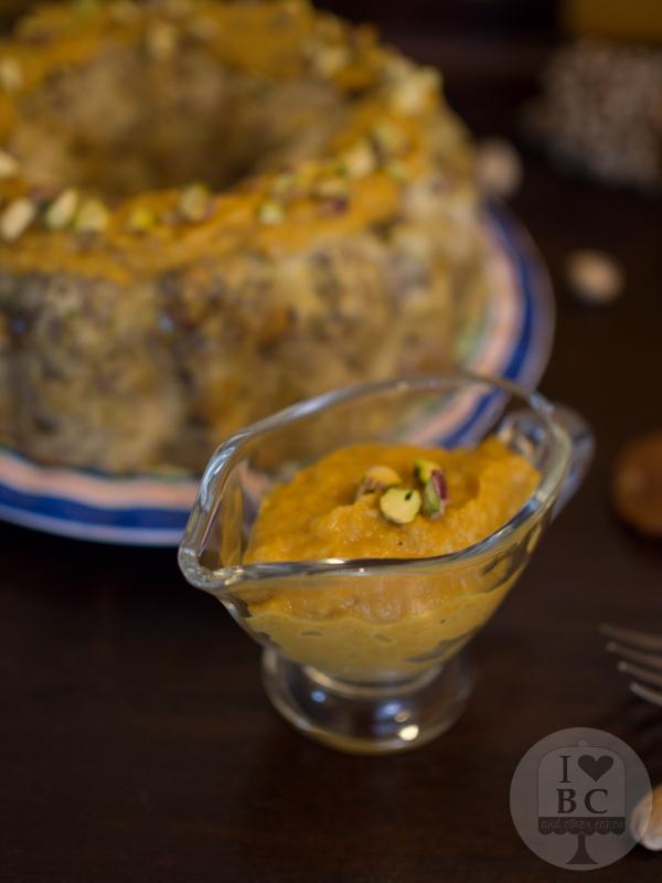 Salsa para acompañar Bundt cake de carne y frutos secos