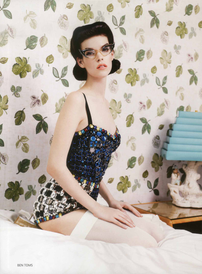 fashion and action betty page style 50 39 s retro fashion. Black Bedroom Furniture Sets. Home Design Ideas