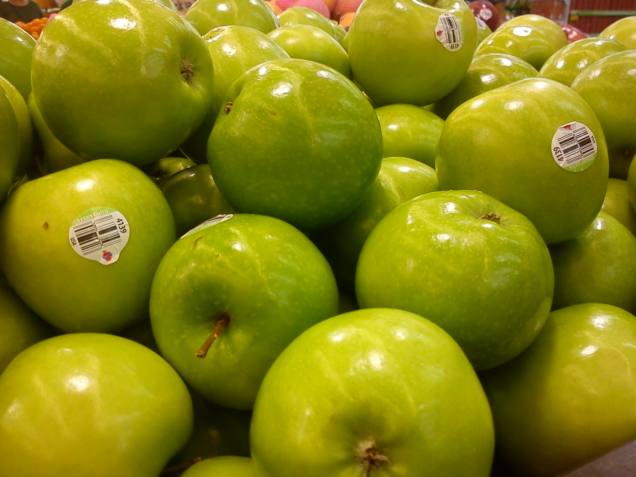 pemasaran hijau Tergiur dengan produk bandeng presto dan bakpia kacang hijau yang kami jual  ingin mencobanya langsung  tak perlu khawatir karena usaha kami berjalan dengan baik dan kami mengikuti perkembangan zaman.