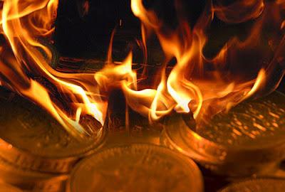 5 Dampak Buruk Harta Haram yang Sangat Berbahaya Bagi Pemakannya