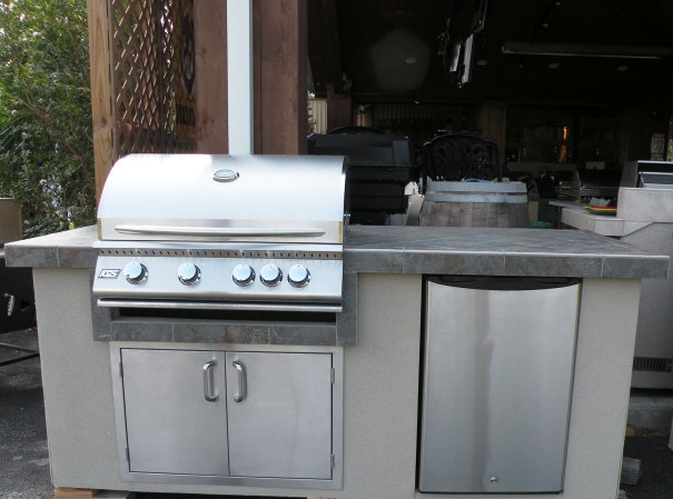 Summer Kitchen. Propane Gas Grill