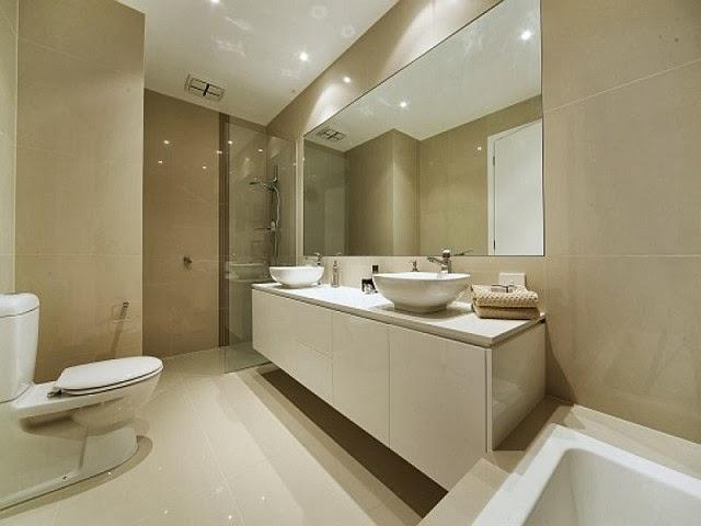 interior kamar mandi besar