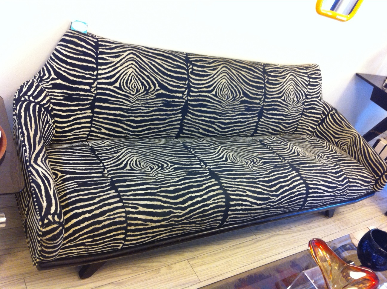 Ethel 20th century living for Zebra sectional sofa
