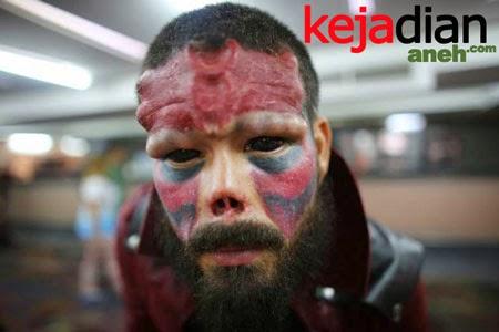 Cowok Nekat Potong Hidung agar Mirip Red Skull Di Komik Marvel