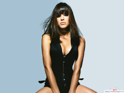 http://apniactivity.blogspot.com/2012/01/michelle-ryan-wallpapers.html