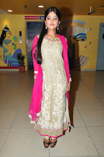 Actress Ulka Gupta Pictures in Salwar Kameez at Andhra Pori Premiere   (1).JPG