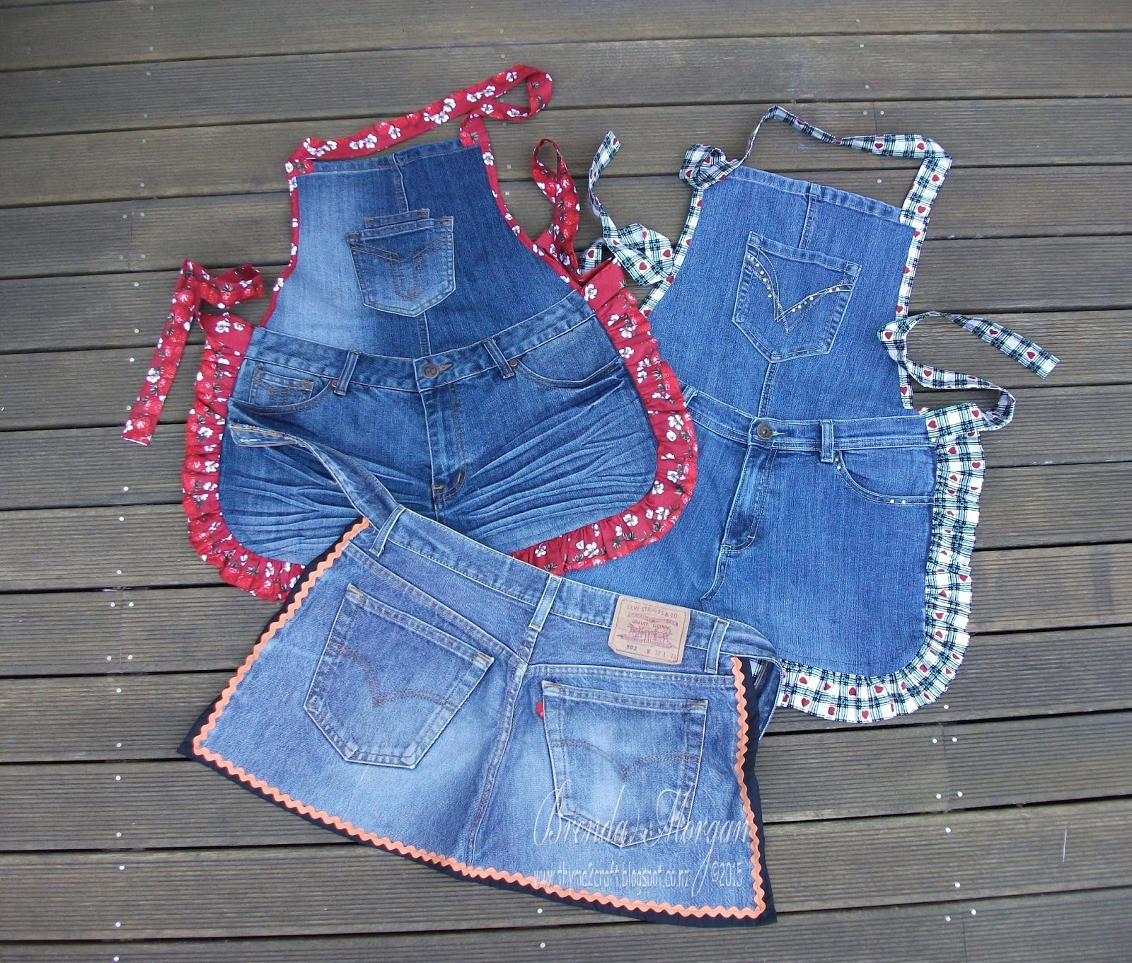 Thyme 2 craft recycled denim jeans for Denim craft ideas