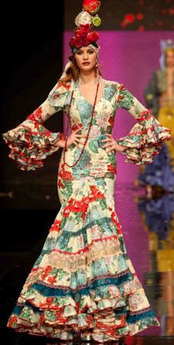 trajes de flamenca Rosalía Zahíno