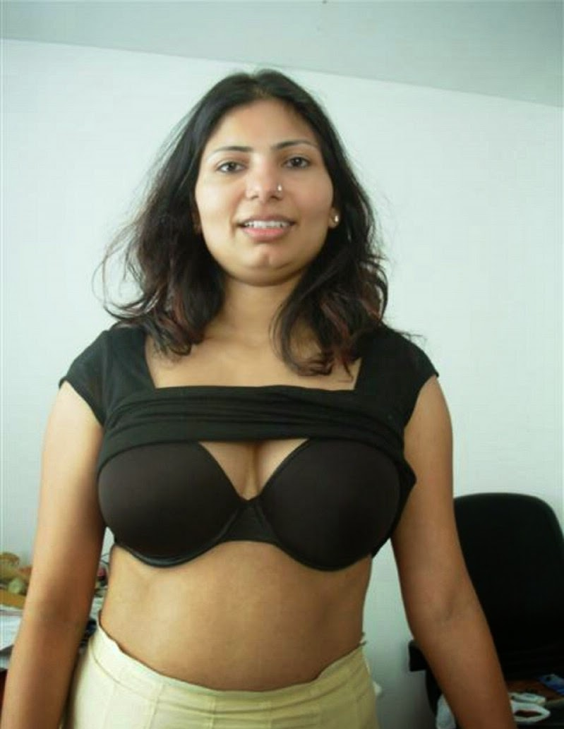 aunty boobs nude Kolkata