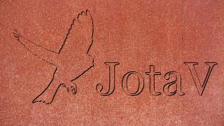 JotaV gravado em metal mais bird-opt