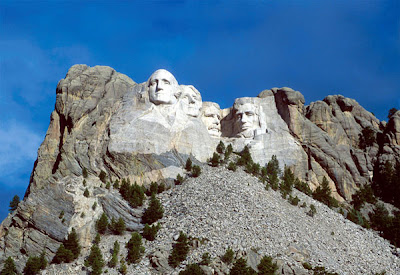 mt rushmore mountain 600b Brain tickling optical illusions