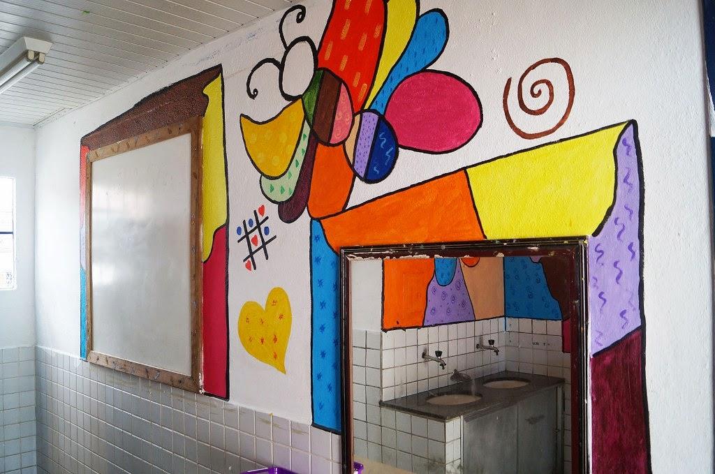 Detalhe da pintura nos banheiros da Escola