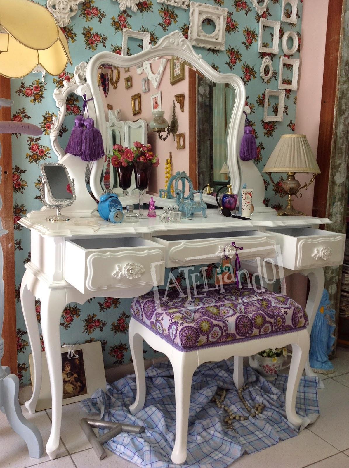 Customização de móveis antigos: Penteadeira Pequena Pietra #6C3F30 1195x1600