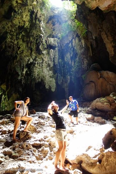 sunlight inside callao cave