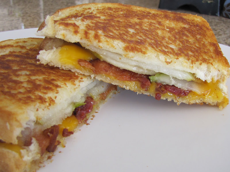 Adventures in Food: Cheddar, Bacon, Pear Grilled Cheese