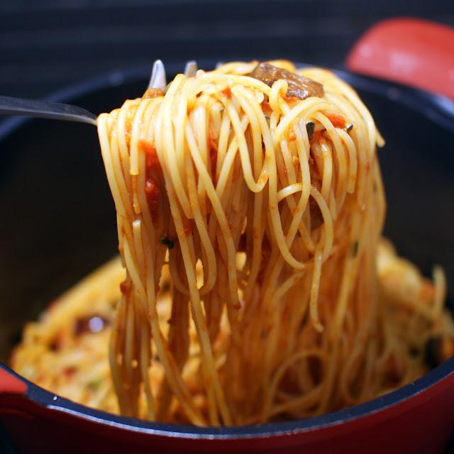 Keittotaiteilua: Spaghetti alla puttanesca
