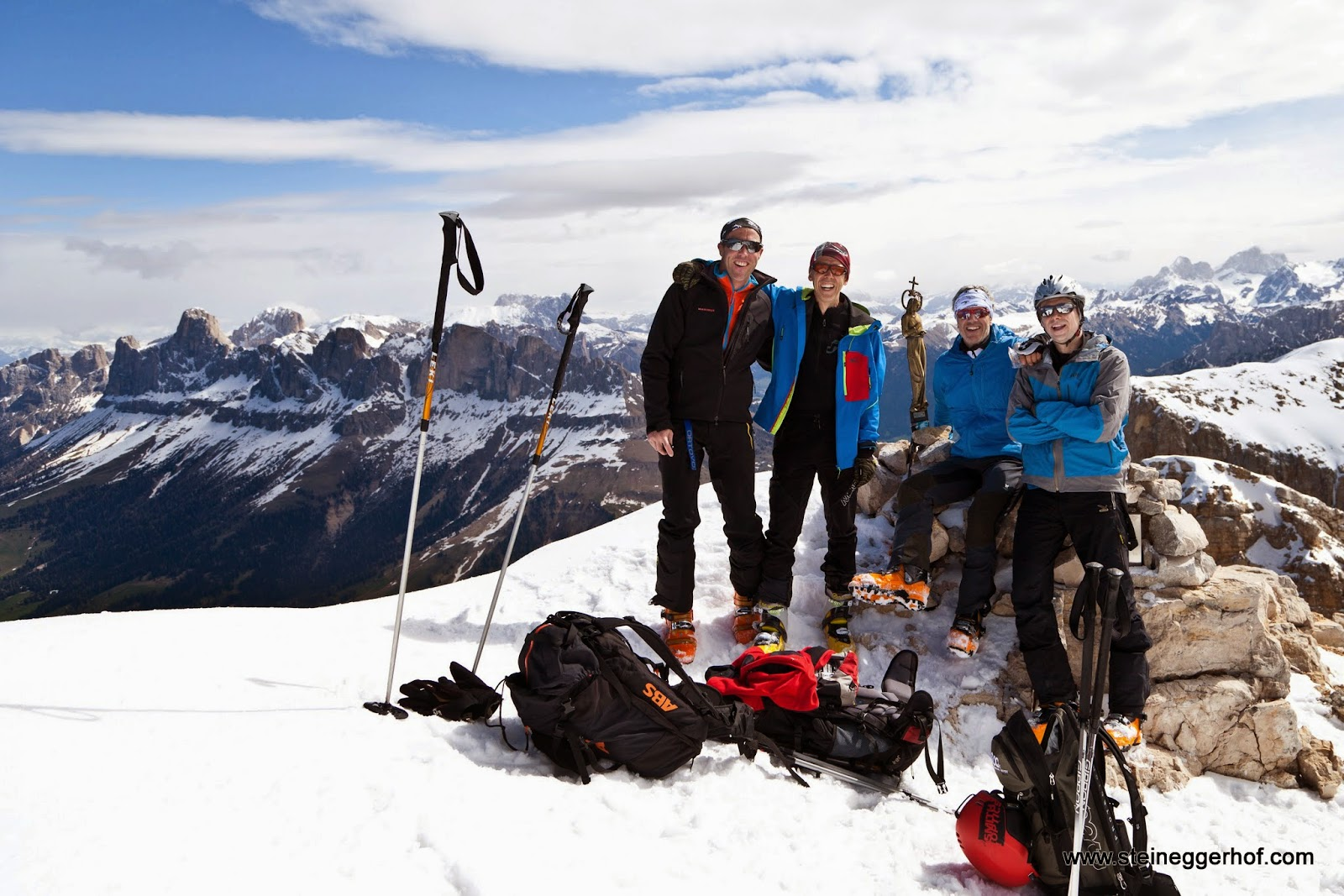 http://www.steineggerhof.com/de/hotelinformationen/fotogalerie/skitour-latemar-17-05-14-id-6014467630039636097.html