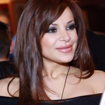 Поредната фолк певица, която прекали със силикона е Димана.