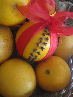 Aimee 39 s blog textiles other ramblings orange clove for Baking oranges for christmas decoration