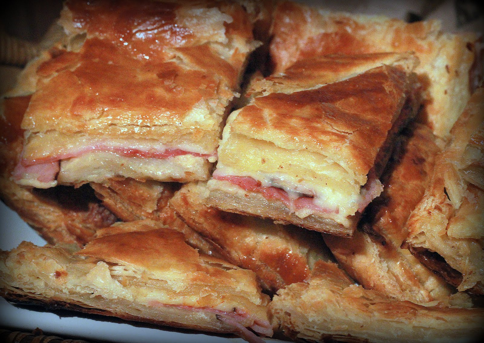 cheese puff pastry ham 6 jpg ham and cheese in puff pastry ham cheese ...