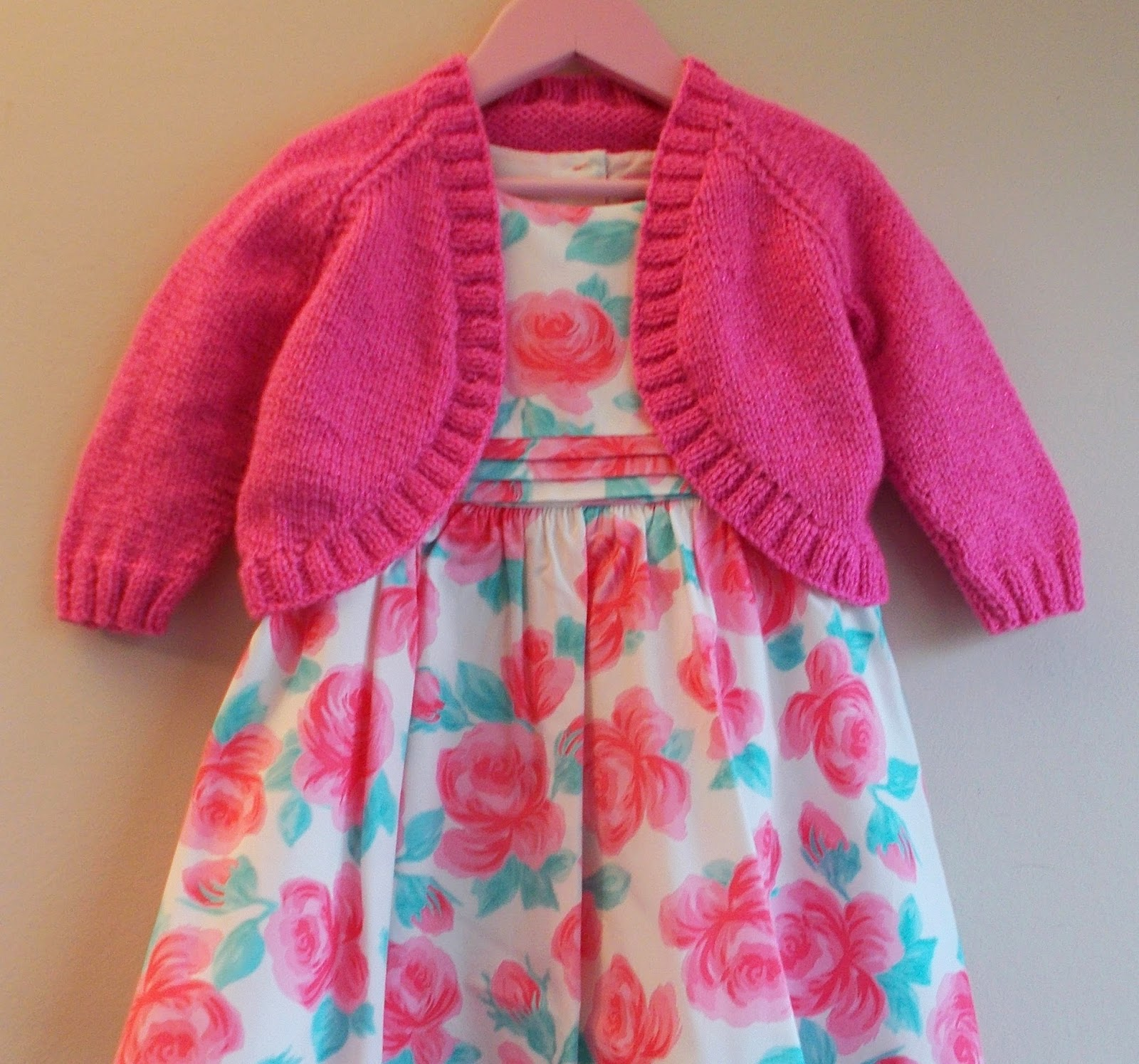 Free Knitting Pattern For Girls Bolero : mariannas lazy daisy days: Pink Sparkle Girls Bolero