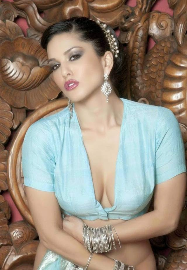 Sunny Leone in Traditional Saree Photoshoot