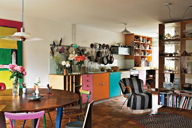 farbenfrohe Küche plus Esszimmer