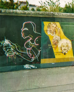 2010.9,柏林。留下的一段艺术绘画墙。