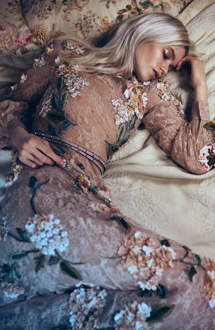 Abbey Lee Kershaw by Lachlan Bailey for Vogue China May 2012 / via fashioned by love british fashion blog