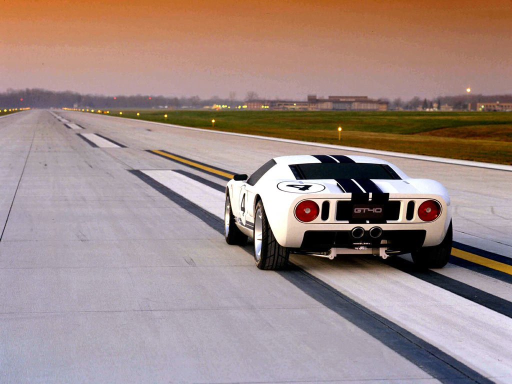 http://4.bp.blogspot.com/-zpc46FdlTcc/T4V7NhYxHLI/AAAAAAAAuV4/h3CVh2pZPMI/s1600/Ford+GT40+Cars+Wallpapers+(1).jpg